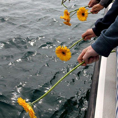 Water burial ashes memorial reef