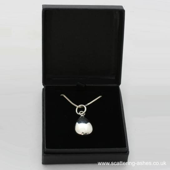 Jewellery for Ashes: 925 Silver cremation