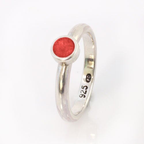 Ashes Jewellery-Elegance Ashes Memorial Ring - Garnet January