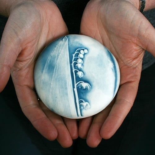 Ceramic Comfort Pebble - Lily of the Valley