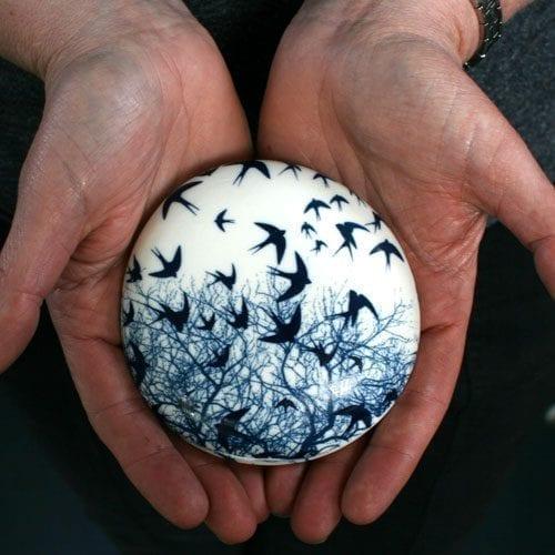 Ceramic Comfort Pebble - Swallow